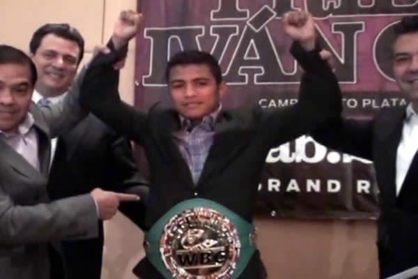 CMB entrega cinturón verde de las 112 libras a Román El Chocolatito González