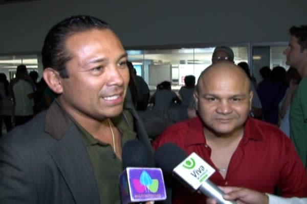 Llega al país el ex campeón de boxeo Carlos Hernández
