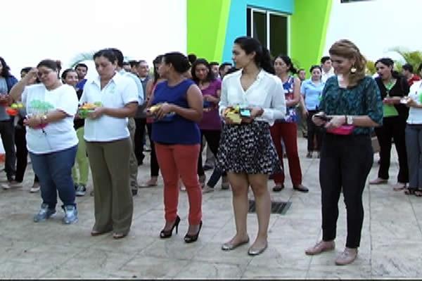 Familia de Viva Nicaragua Canal 13 participa en el novenario a La Conchita