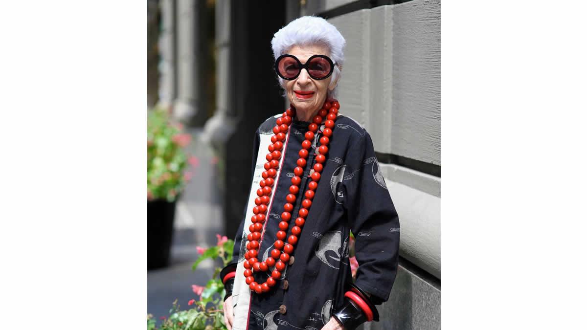 Iris Apfel: Icono de la moda a los 95 años