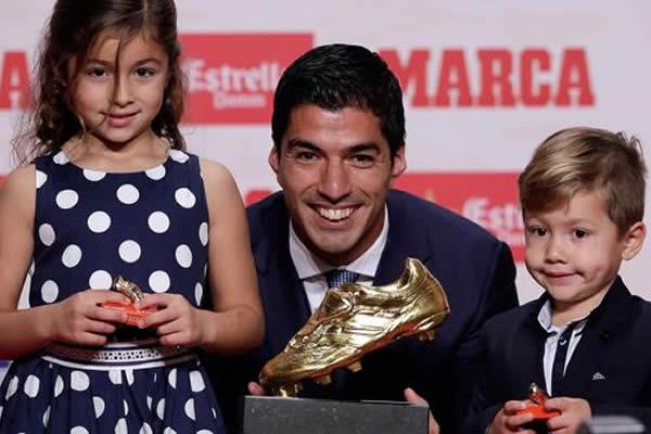 El uruguayo Luis Suárez del Barcelona se lleva la Bota de Oro