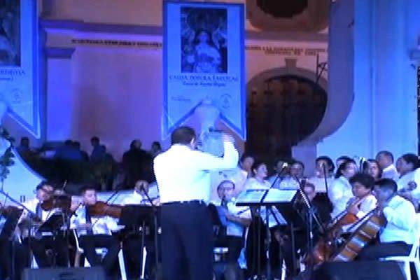 Artistas nacionales unen sus voces en la Serenata a la Virgen del Trono