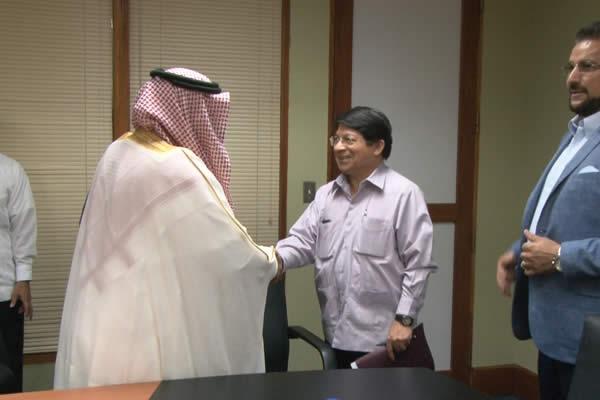 Representante de Arabia Saudita presentó Copias de Estilo