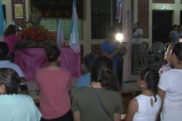 Comunidad de altagracia Celebra vigilia en Honor a Maria Auxiliadora