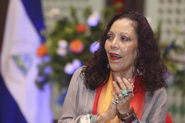 Rosario anuncia entrega de bono especial en saludo al día de los maestros nicaragüenses
