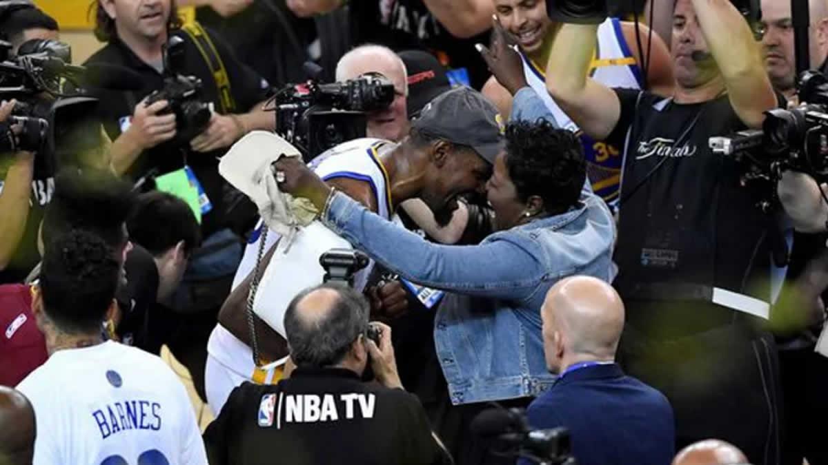 Los Warriors cumplen su misión con Kevin Durant