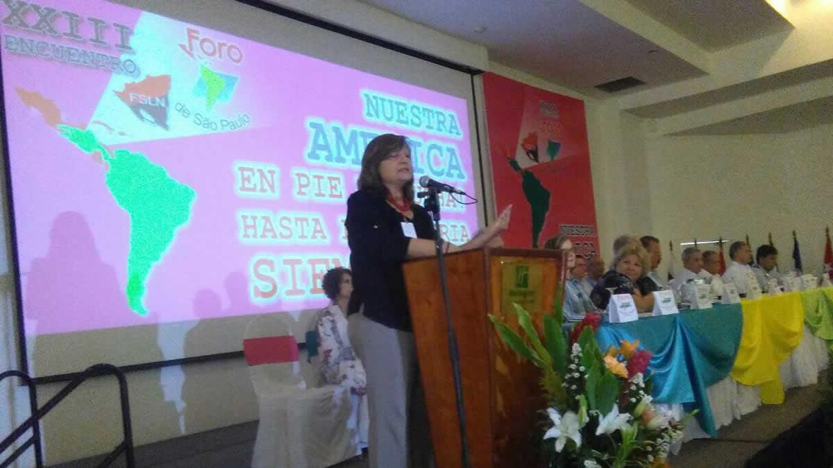 Mónica Valente, secretaria Internacional del partido de trabajadores de Brasil arriba al país