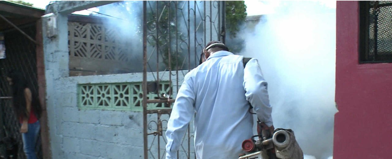 Jornada de fumigación visita la Colonia Pedro Joaquín Chamorro