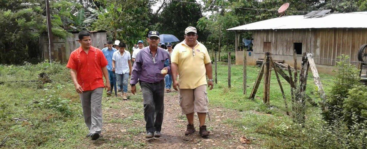 Candidatos del FSLN son recibidos por habitantes de Punta Gorda