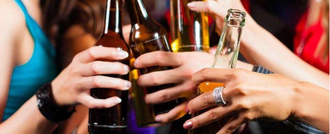 ¿Tomar alcohol engorda?
