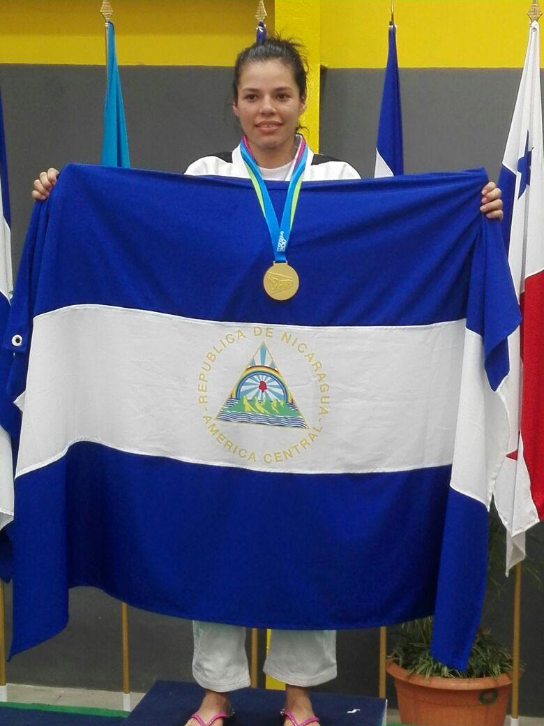 Miembro de la familia de Canal 13 obtiene presea dorada en Judo Femenino