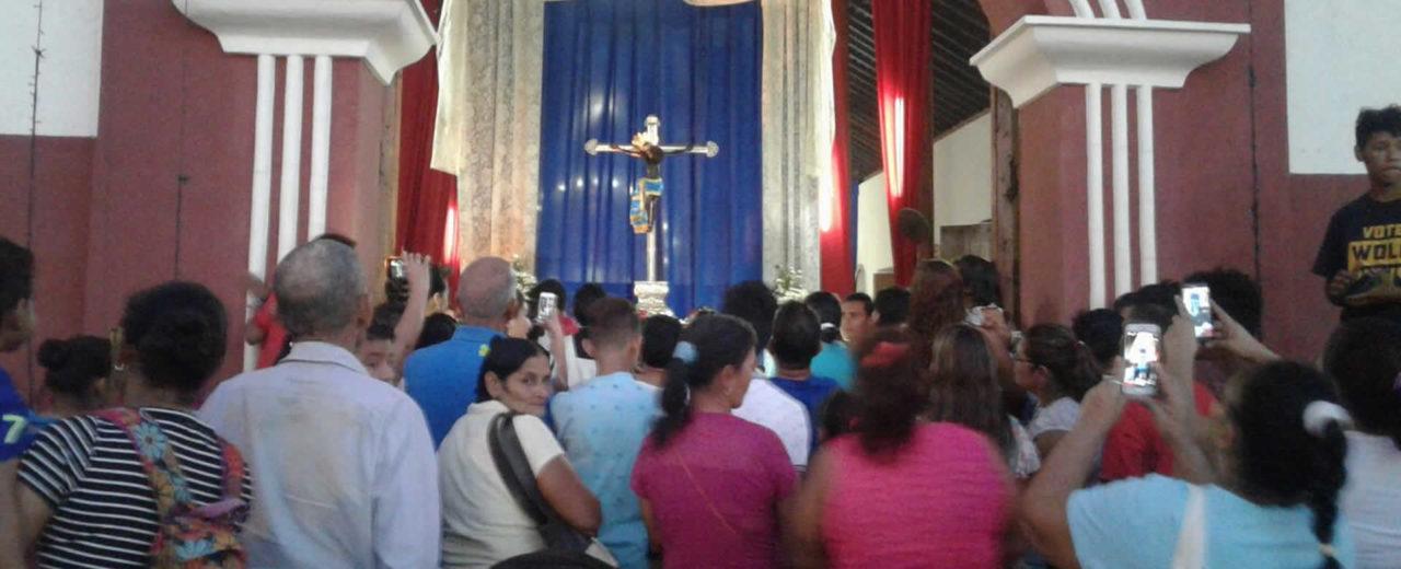 Familias de Telica celebran emotiva gritería en honor al Señor de Esquipulas