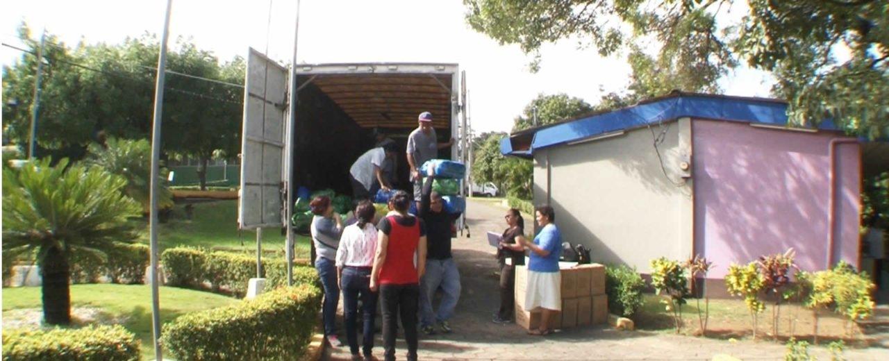 Ministerio de Educación ha distribuido miles de paquetes estudiantiles