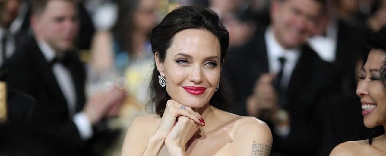 Conocé algunos misterios que escoden los tatuajes de Angelina Jolie