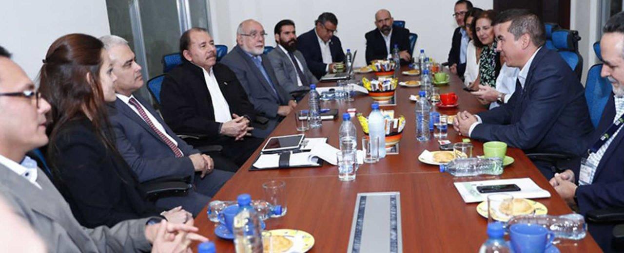 Presidente Daniel se reúne con empresarios y productores azucareros