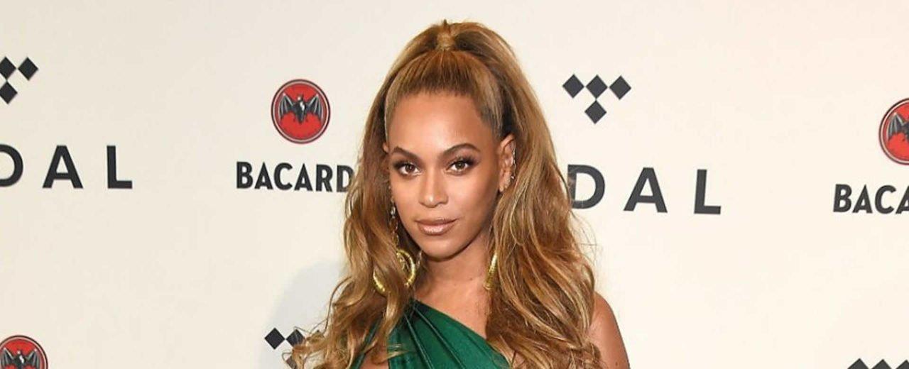 Beyoncé presume a sus mellizos durante su más reciente presentación