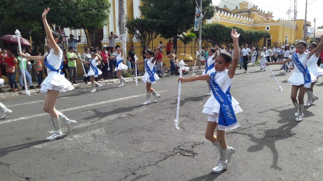 Escuelas públicas de Chinandega inician desfile en honor a fiestas patrias