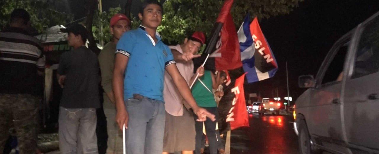 Comerciantes del Mercado Israel Lewites rindieron homenaje a los héroes de Octubre Victorioso