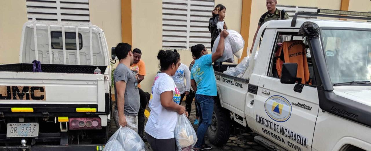 Habitantes anegados de Malacatoya reciben ayuda de la brigada JS19J