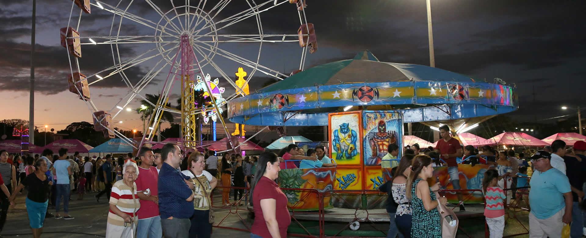 Continua Feria Nacional De Comidas Navidenas En La Plaza La Fe