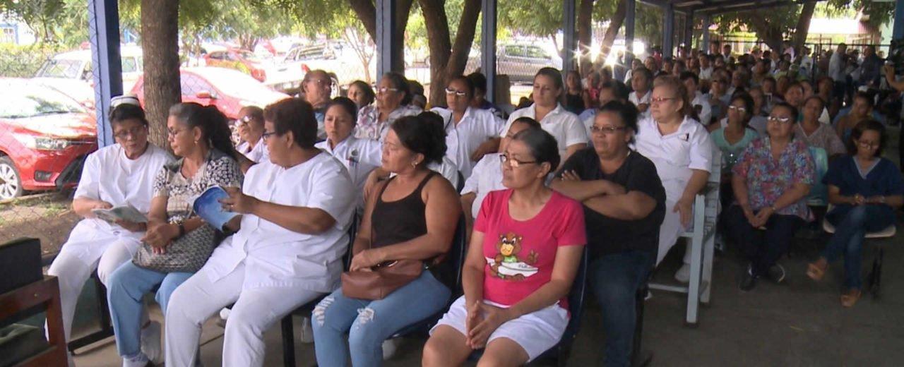 Trabajadores y pacientes del Hospital Manolo Morales cantaron a la Purísima Concepción de María