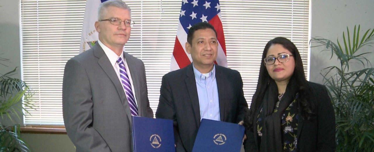 Nicaragua y EE.UU. firman convenio, ambas naciones contribuirán en la seguridad aeronáutica
