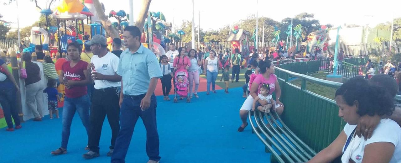 Más familias visitan nueva etapa del Parque Luis Alfonso Velázquez Flores