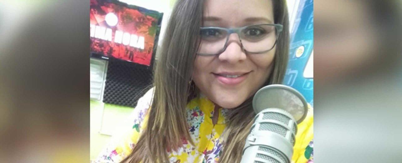 """Locutora de Tu Nueva Radio YA confiesa el nombre artístico de """"Cine X"""" que le gustaría tener"""