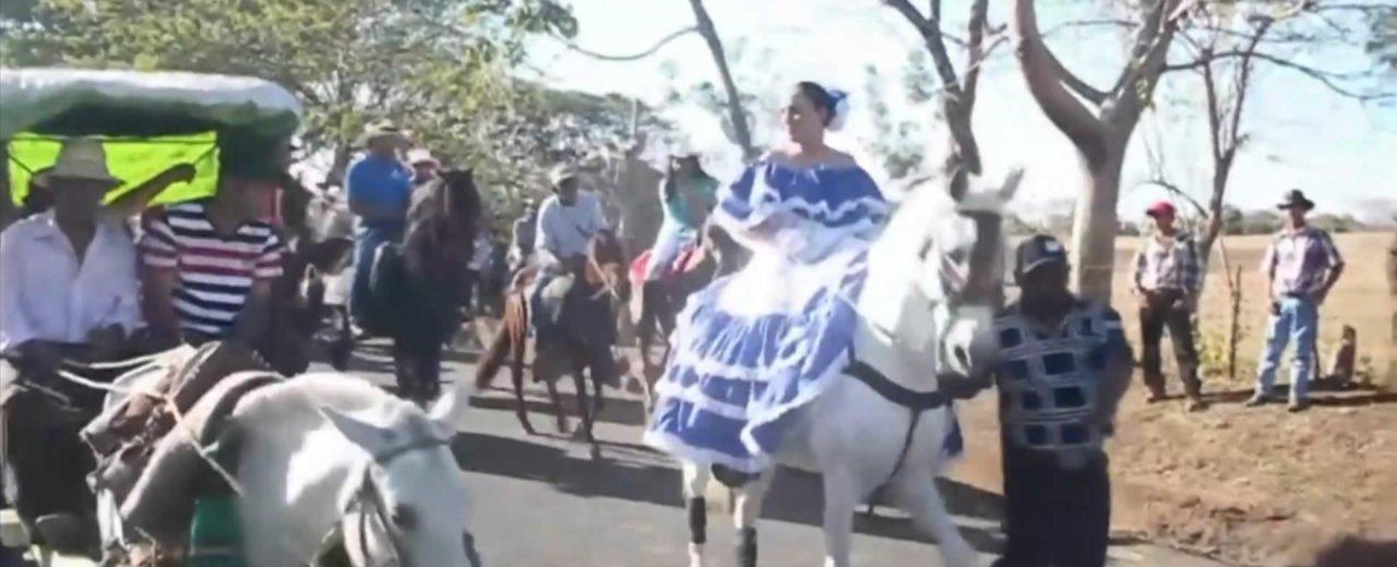 Carazo realiza desfile hípico en honor a la Señora de la Paz