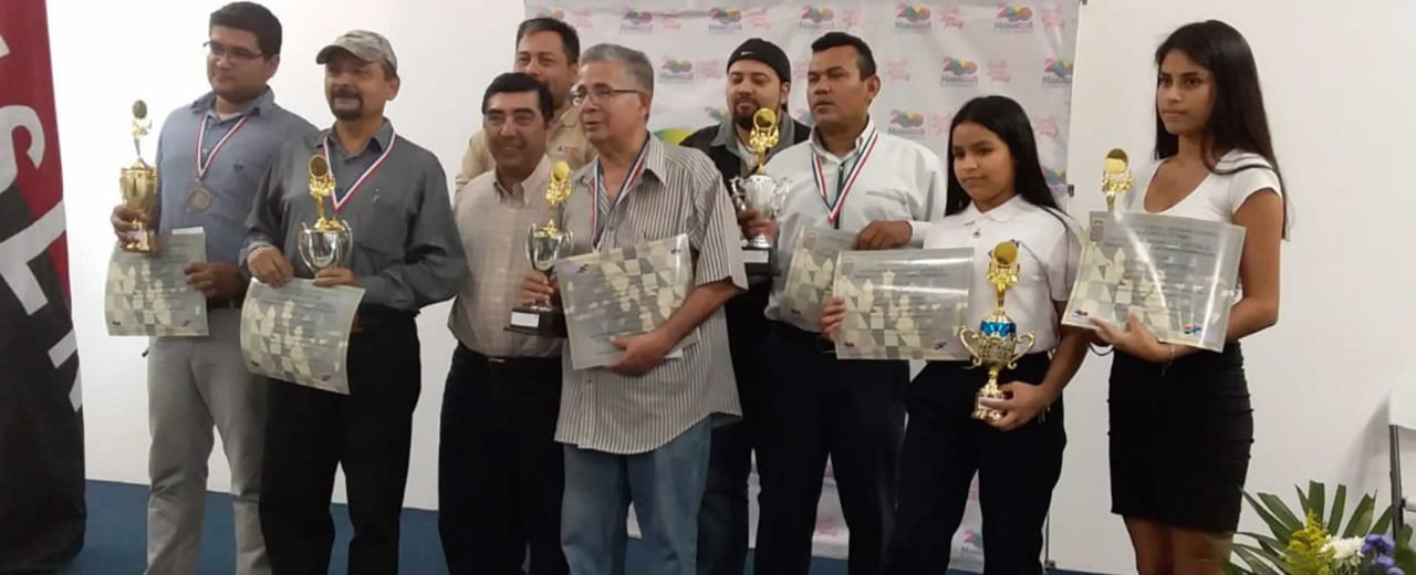 Aficionados del Ajedrez participan en torneo en conmemoración al bicentenario de Managua