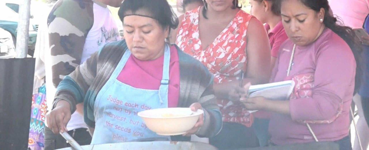 El mercadito campesino ofrece a las familias una amplia variedad de gastronomía
