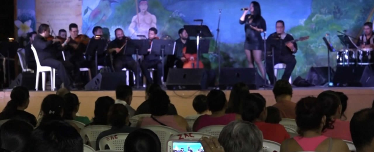 Familias de Diriá, Granada disfrutan del XVII Festival Internacional del Bolero