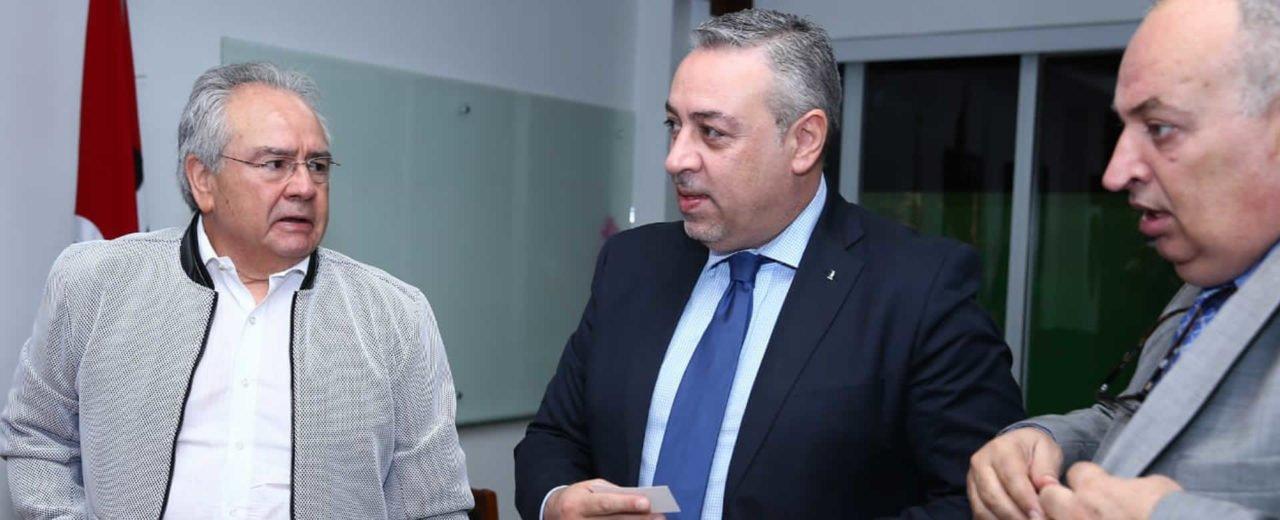 Presidente de la Asamblea sostuvo fraterno encuentro con el Director de Agencia de Cooperación de Palestina