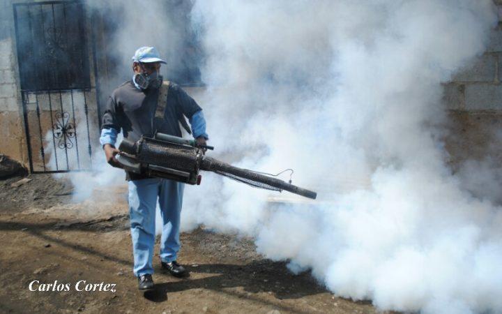 MINSA concientiza a familias del barrio Enrique Smith para prevenir el dengue