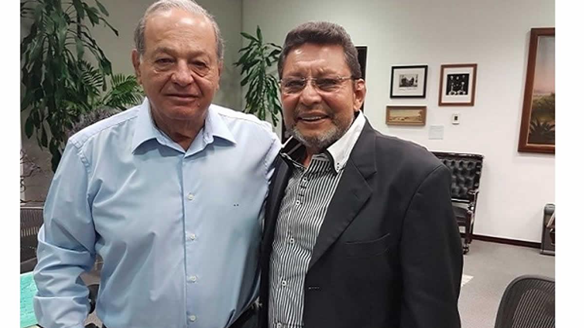Bayardo Arce sostiene encuentro con el empresario mexicano Carlos Slim