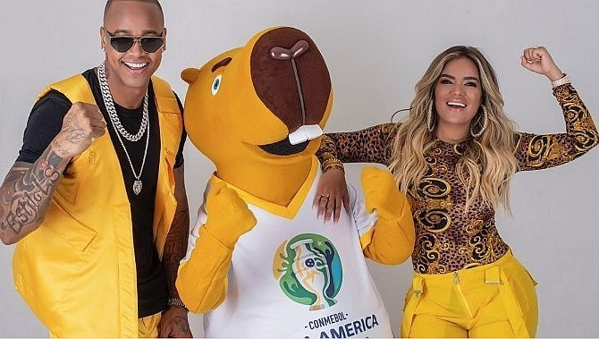 Karol G cantará la canción oficial de la Copa América Brasil 2019