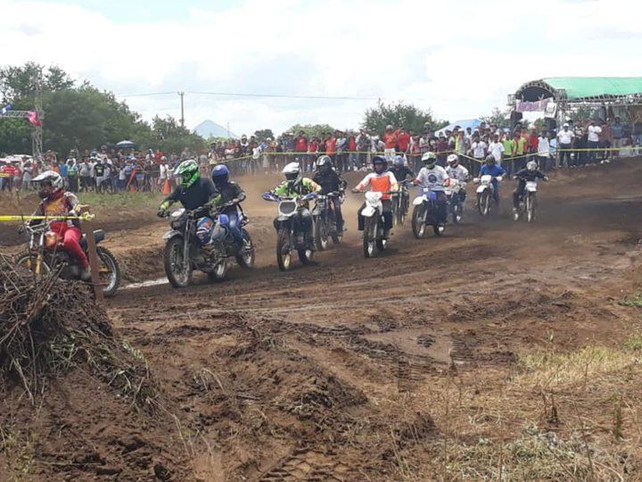 """Leoneses estrenan nueva pista de Motocross """"La Cieba"""""""