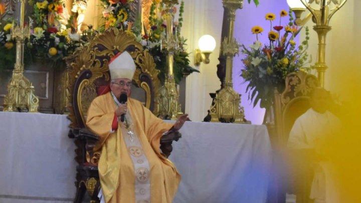 Monseñor Cesar Bosco es declarado Hijo Dilecto y recibe llave de León