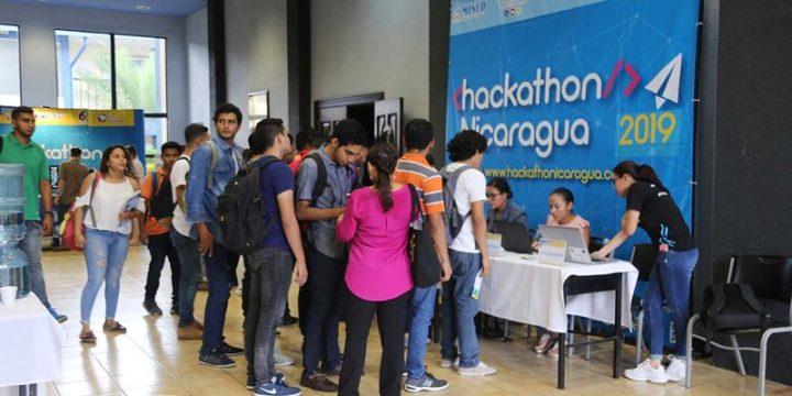 Jóvenes de Estelí se preparan para participar en el Hackathong Nicaragua 2019