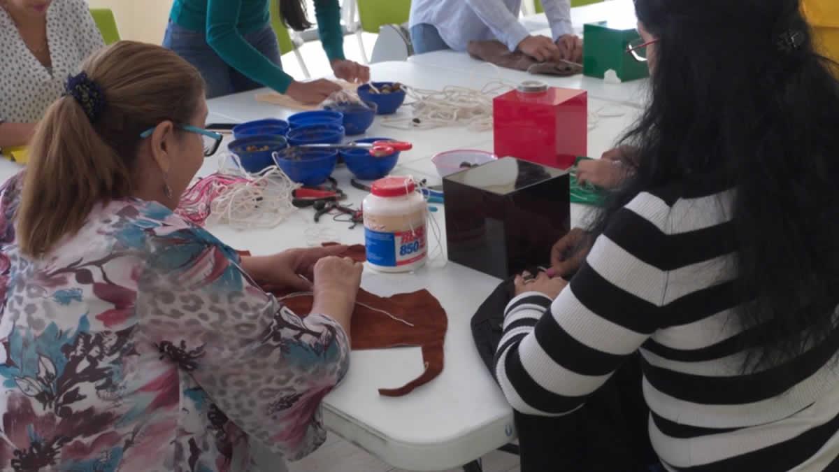 Escuela Creativa de Nicaragua Diseña oferta taller en Joyería y Bisutería