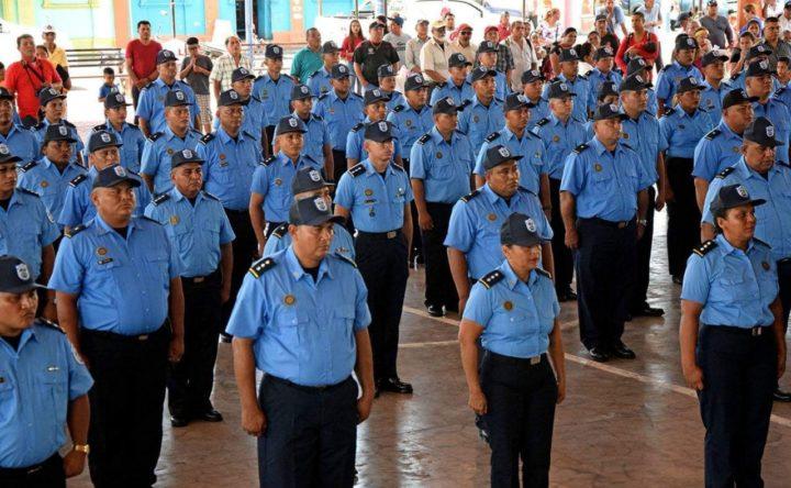 Policía Nacional de Chinandega asciende en grados a sus oficiales