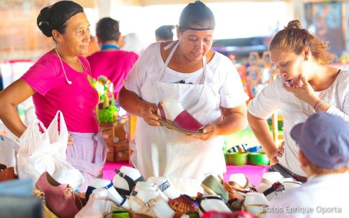 Tiangue Hugo Chávez celebra la Resistencia Indígena con una Expo Feria