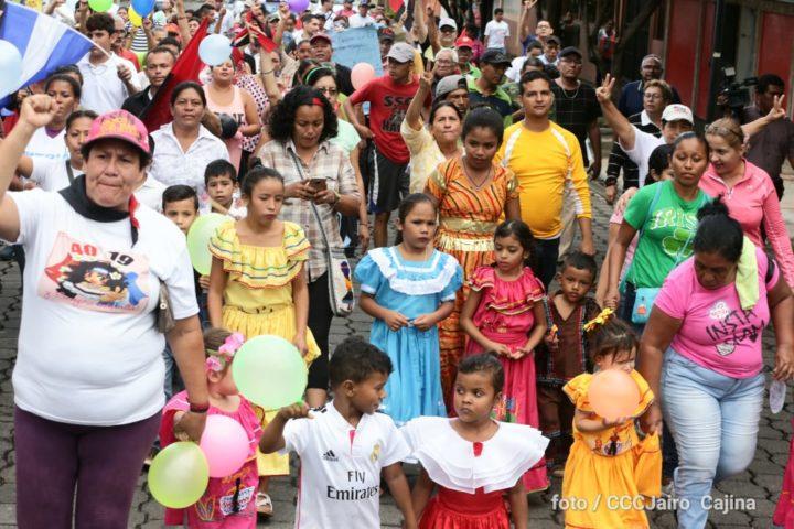 Con alegre caminata, recuerdan legado del Comandante Carlos Fonseca