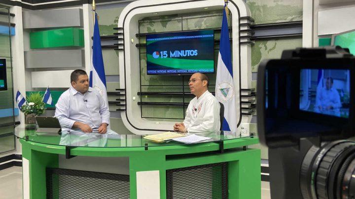 Carlos Emilio López, diputado del FSLN y Roberto Zúñiga en programa 15 Minutos.