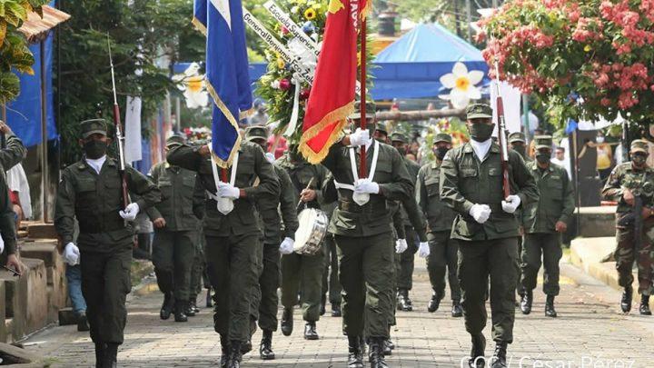 Ejército de Nicaragua rinde honores al General Benjamín Zeledón.