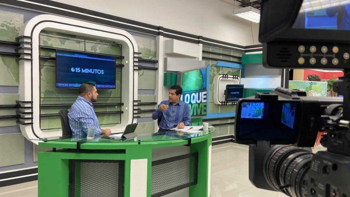 Roberto Zúñiga entrevista al diputado Wálmaro Gutiérrez.