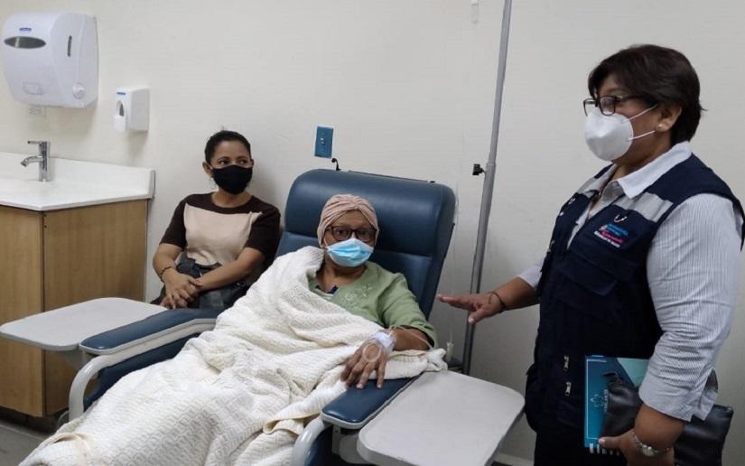 Ministra de Salud verifica atención integral en el Centro Oncológico Dr. Clemente Guido